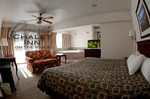 The Fabulous Chalet, king size Jacuzzi Room - Reagan Hotels